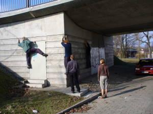 Foto: City Boulder Gruppe, Klettersafari, Stadtklettern, Urban Climbing, Potsdam, Berlin, Erlebnispädagogik