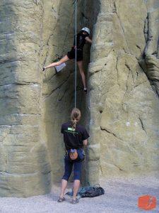 Foto Klettern mit Seilsicherung, Erlebnispädagogik und Grundkurse in Potsdam